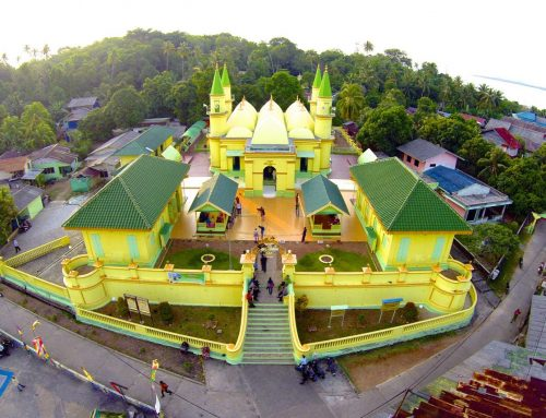 Masjid Raya Sultan Riau (Sultan of Riau's Grand Mosque)